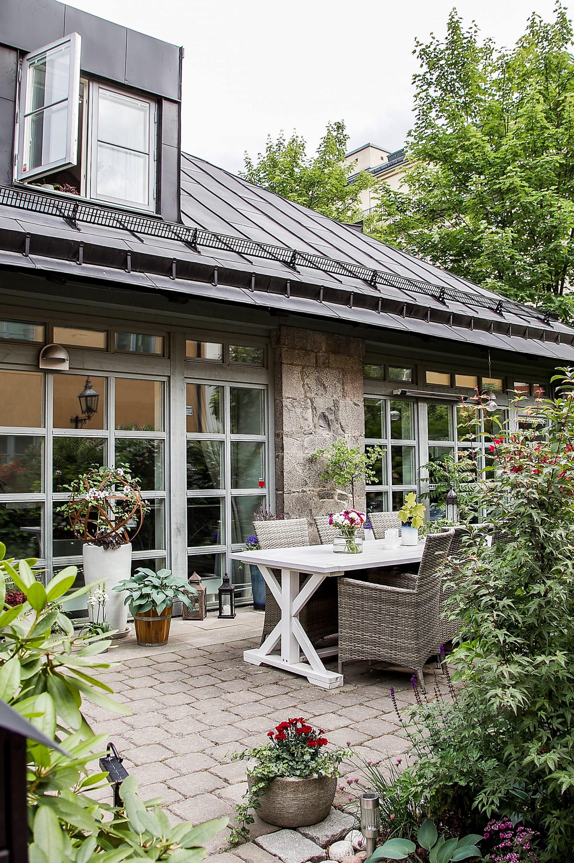 house windows terrace