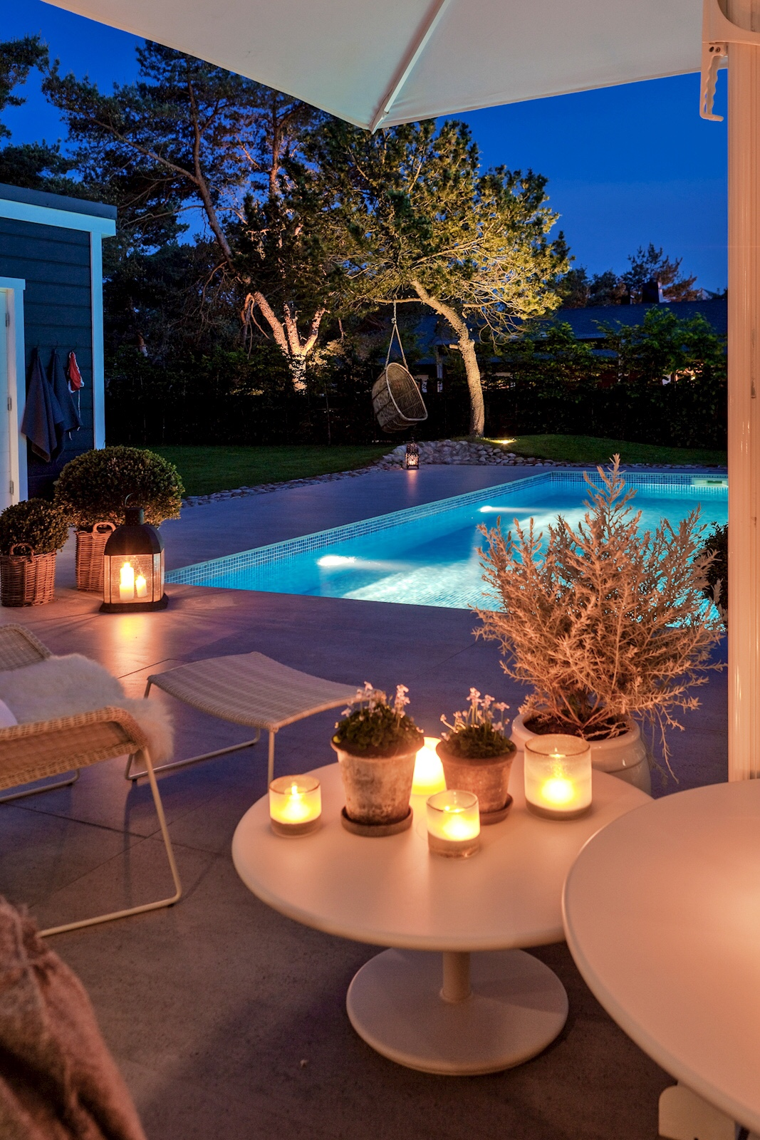 house terrace pool lighting