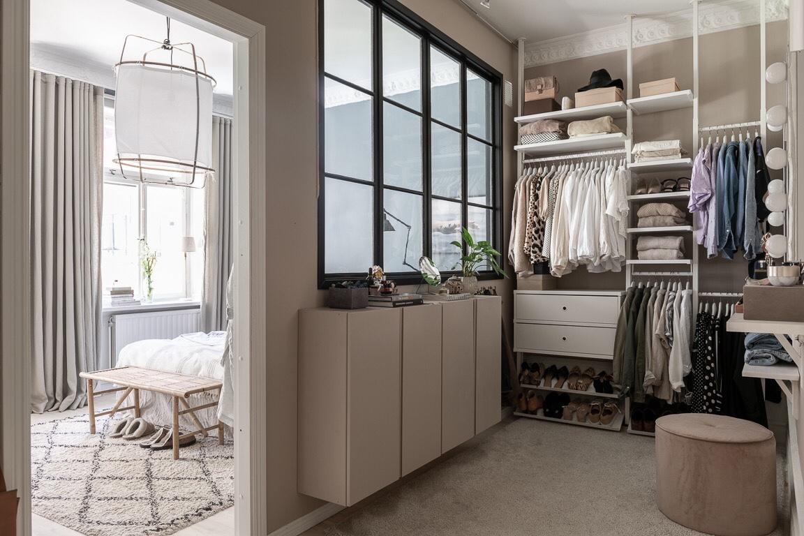 wardrobe partition
