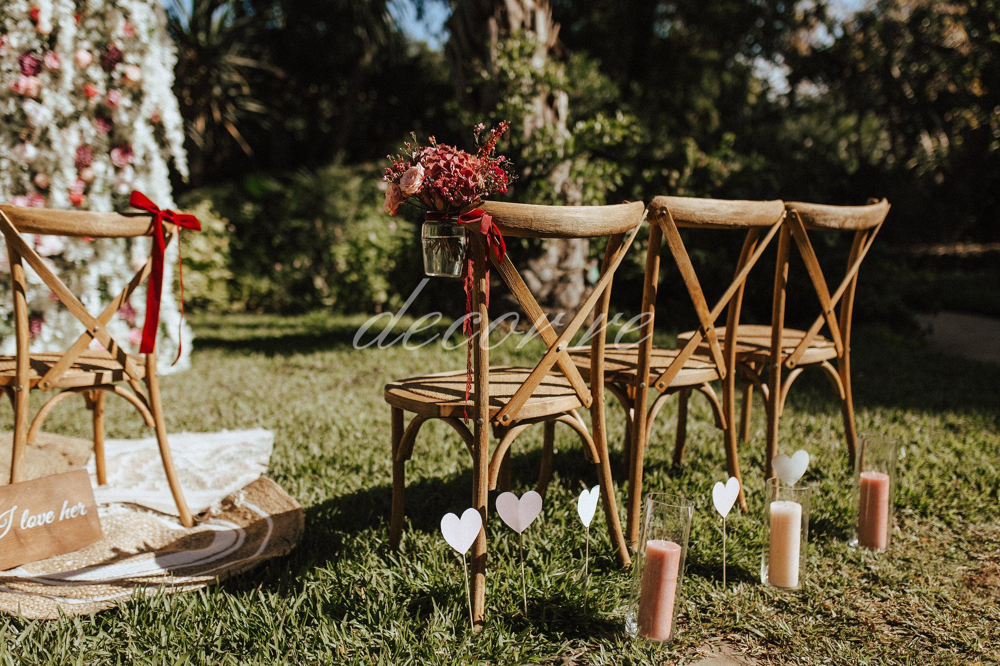Nos chaises crossback au Jardin d'Eden