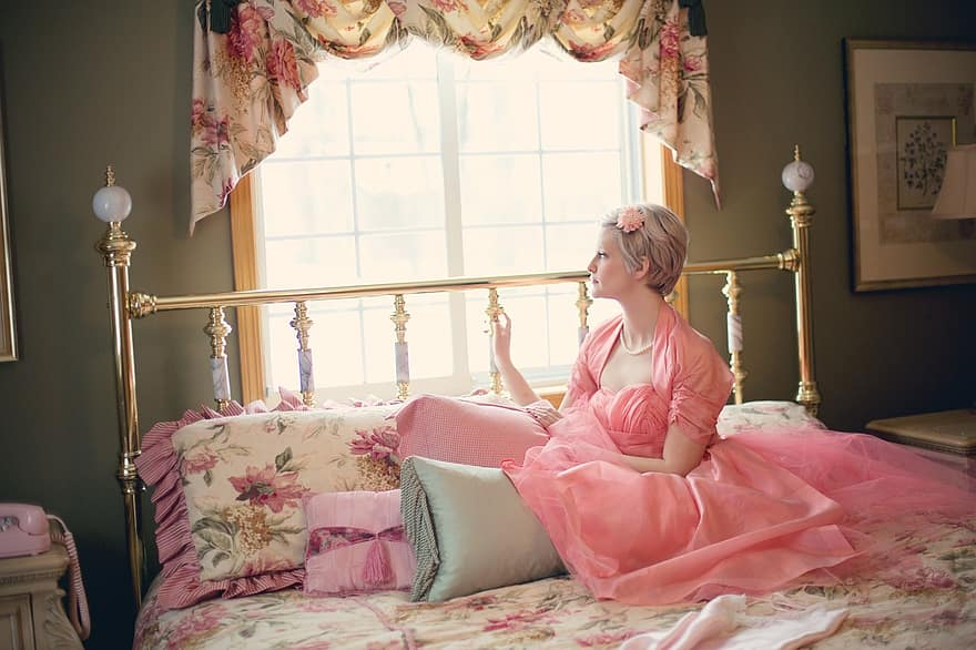 vintage woman on bed retro bedroom blonde romantic