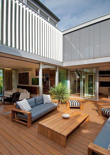 21 Beautiful Indoor- Outdoor Living Spaces - Decor10 Blog on Enclosed Outdoor Living Spaces  id=48659