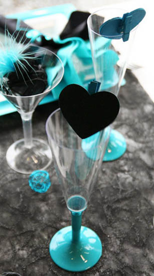 Feathers And Hearts Dinner Table Decorations Black And