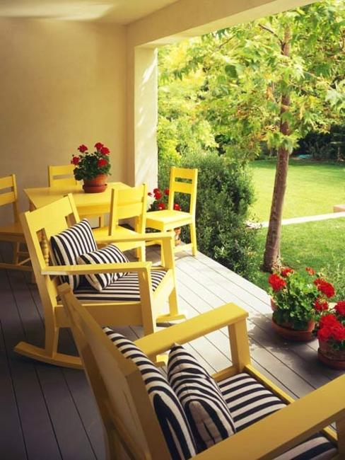 22 Beautiful Porch Decorating Ideas for Stylish and ... on Black And White Backyard Decor  id=97853