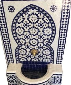 fuente marroquí de mosaico exterior