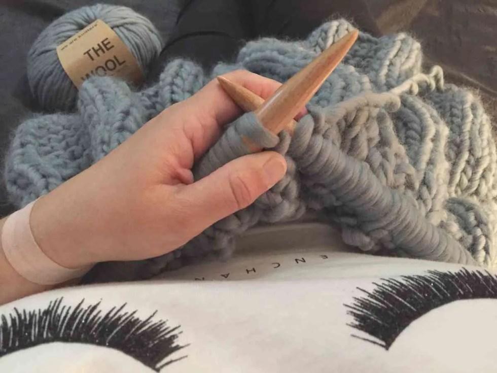 tejer una manta para el sofa