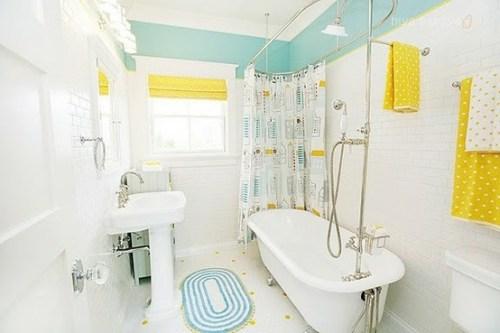 bathroom-with-light-blue-yellow