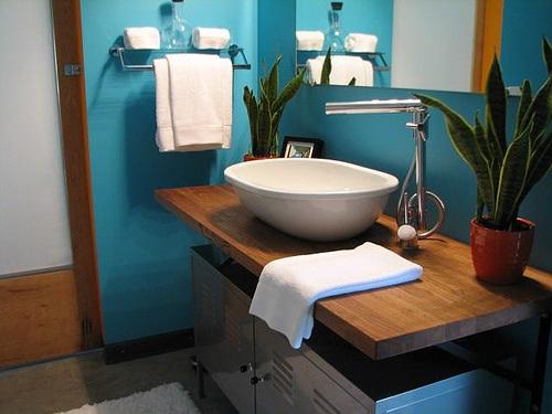 bathroom-visit-small-7