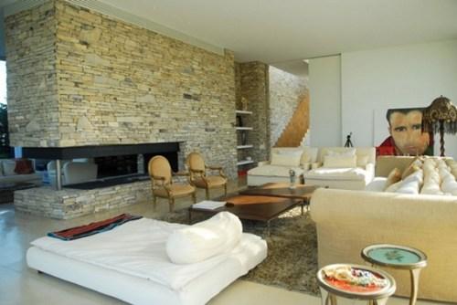 sala pared piedra