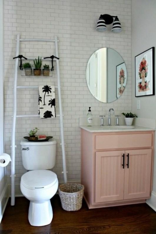 bathroom with scandinavian details