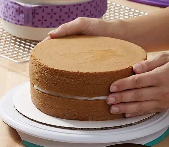 Cursos de decoracion de tortas coleccion digital for Decoracion de tortas espejo