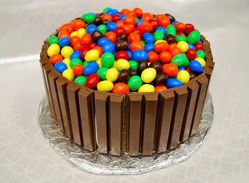 Como Decorar Una Torta De Chocolate Para Cumpleaños