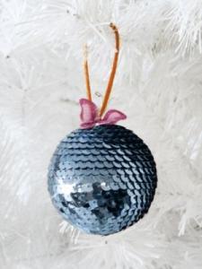 esfera decorativa navideña