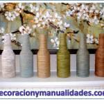 Floreros y jarrones decorativos de material reciclable