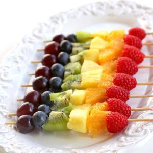 brochetas fruta