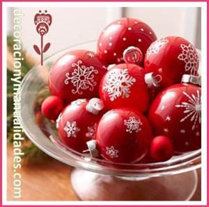 copa de esferas navideñas