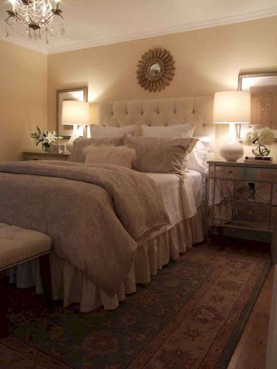 07 Cozy Small Master Bedroom Decorating Ideas
