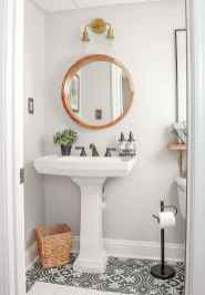 19 Beautiful Small Bathroom Decor Ideas on A Budget