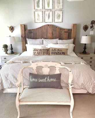 33 Stuning Farmhouse Bedroom Furniture Ideas on A Budget
