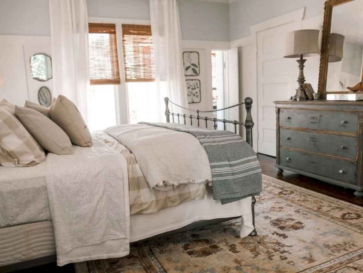 63 Affordable Farmhouse Style Bedroom Decorating Ideas