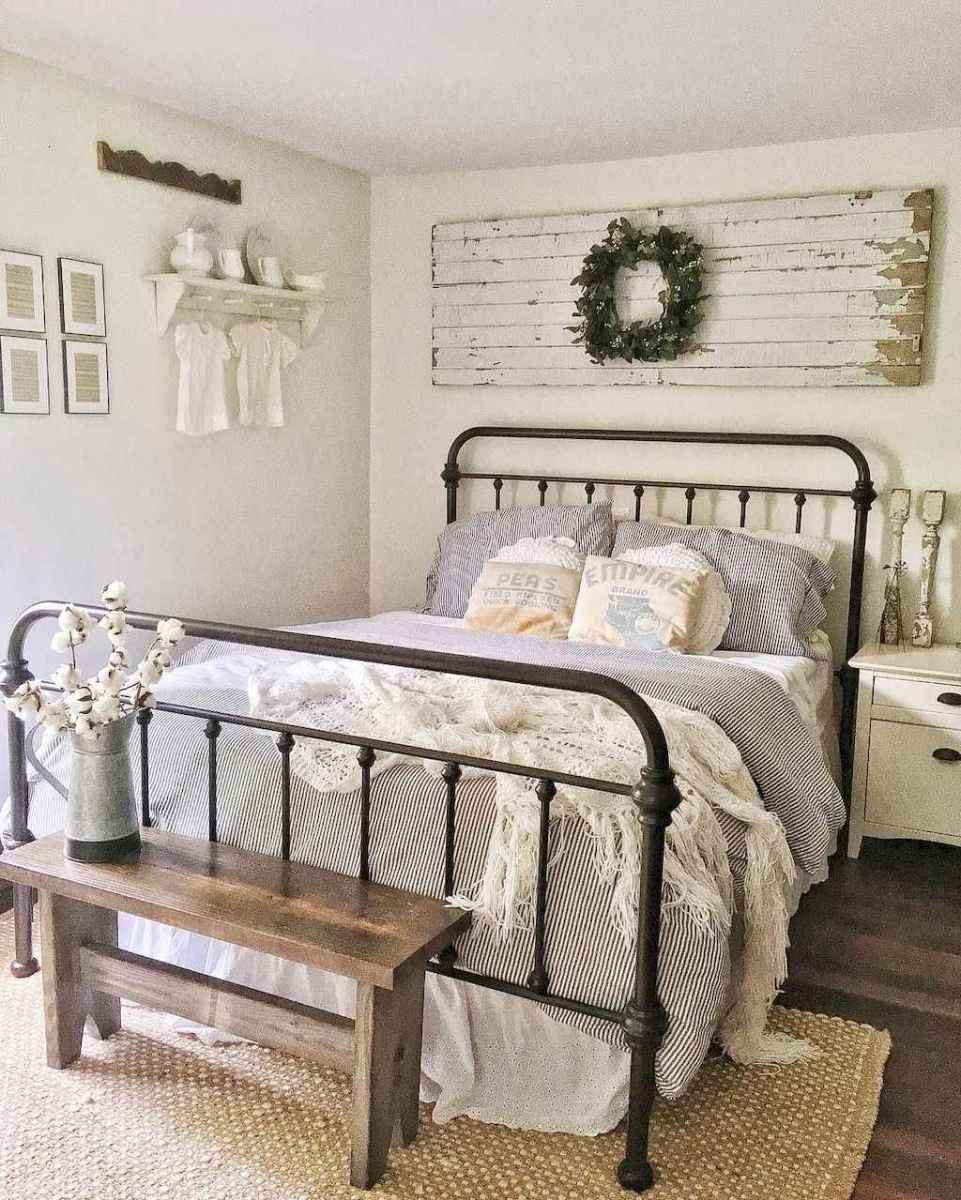 73 Affordable Farmhouse Style Bedroom Decorating Ideas