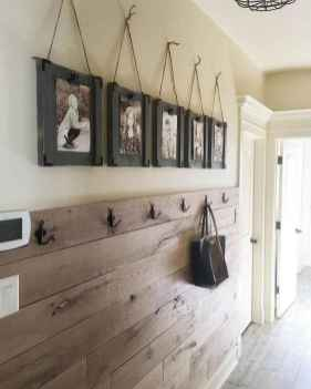 27 Welcoming Rustic Farmhouse Entryway Decorating Ideas