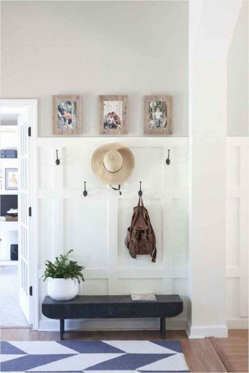 61 Welcoming Rustic Farmhouse Entryway Decorating Ideas