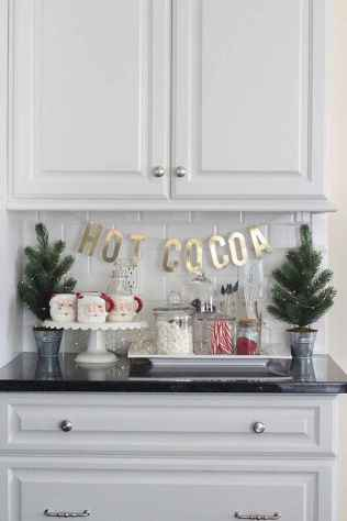 13 Cozy Christmas Kitchen Decorating Ideas