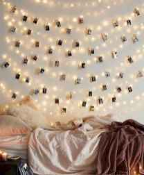 28 Cheerful Christmas Dorm Room Decorating Ideas on A Budget
