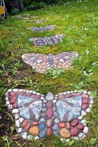 05 Magnificent DIY Mosaic Garden Path Decorations For Your Inspiration