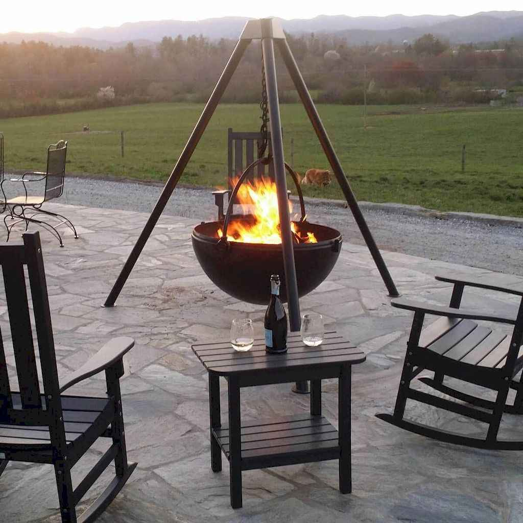 09 Awesome Backyard Fire Pits with Seating Ideas
