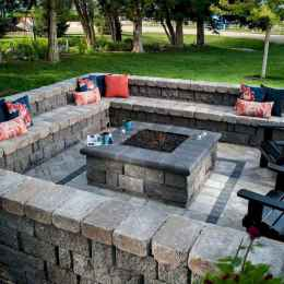 14 Awesome Backyard Fire Pits with Seating Ideas