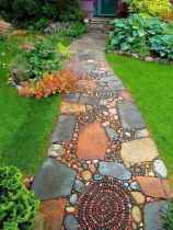 26 Magnificent DIY Mosaic Garden Path Decorations For Your Inspiration