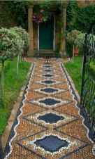 32 Magnificent DIY Mosaic Garden Path Decorations For Your Inspiration