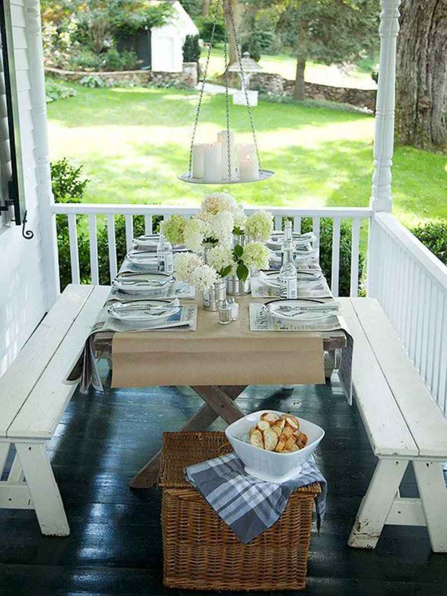 12 Small Front Porch Seating Ideas for Farmhouse Summer