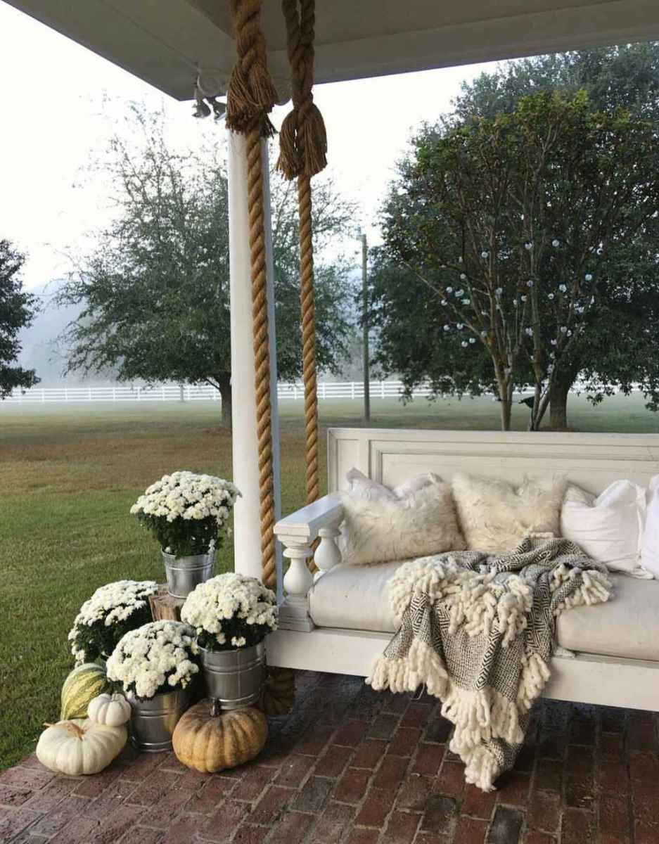 18 Awesome Farmhouse Porch Swing Plans Ideas