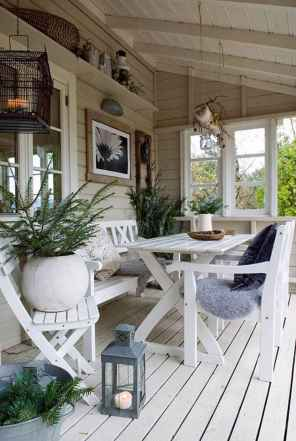 25 Gorgeous Farmhouse Screened In Porch Design Ideas for Relaxing
