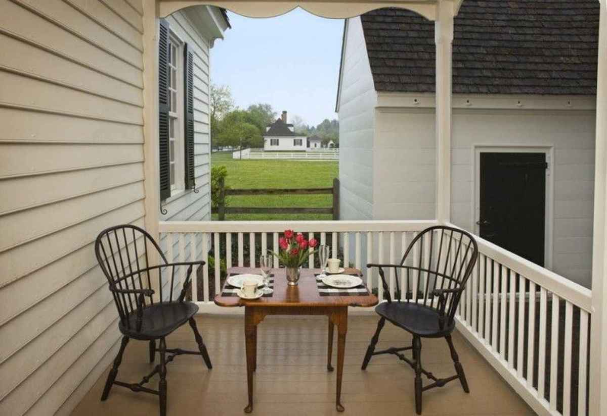 26 Small Front Porch Seating Ideas for Farmhouse Summer