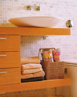 buenas ideas para ordenar las toallas en el cuarto de baño