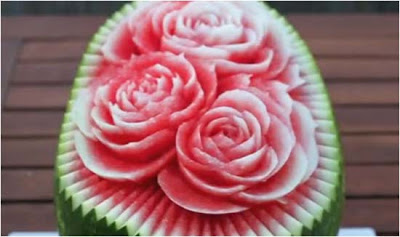 fruta recortada para crear centros de mesa y decoracion