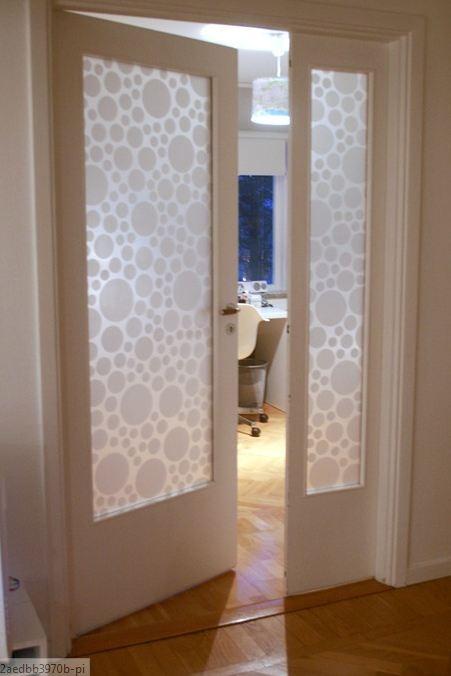 Decorar una puerta de cristal for Vidrios decorados para puertas interiores