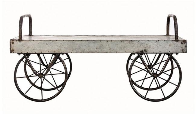 Mesa mueble metálica con ruedas.