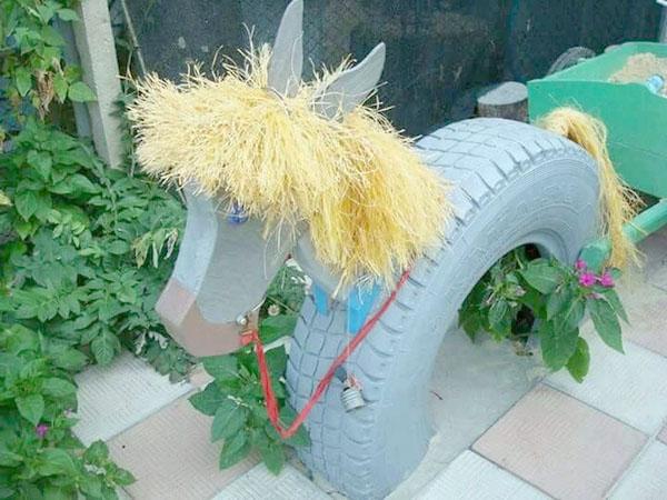 Decorar jardín ruedas