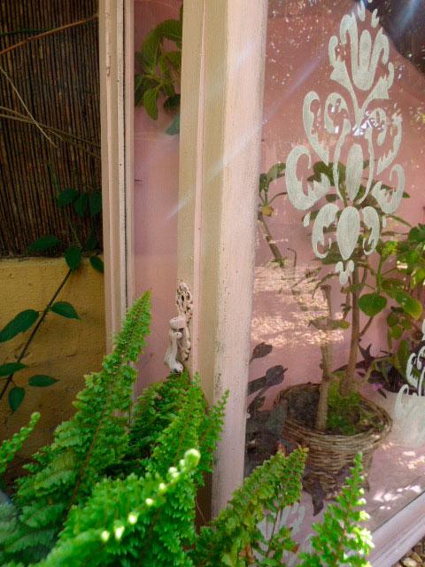 Decorar el jardín con una cristalera