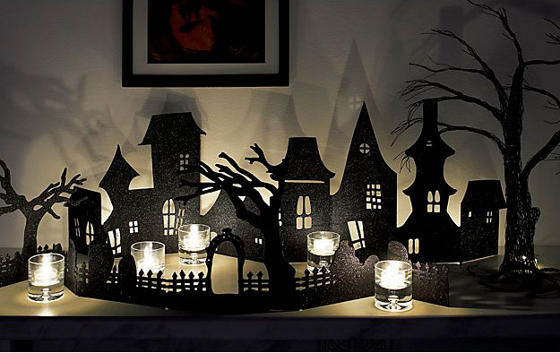 Decorar en Halloween con luces y sombras