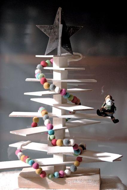 Wooden Christmas Tree by WhenDesignWorks