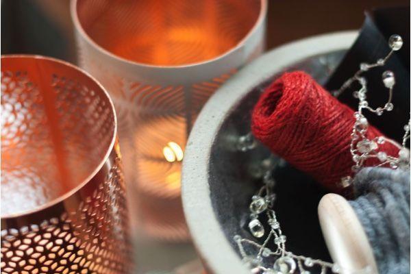 Portavelas en colores de moda para Navidad