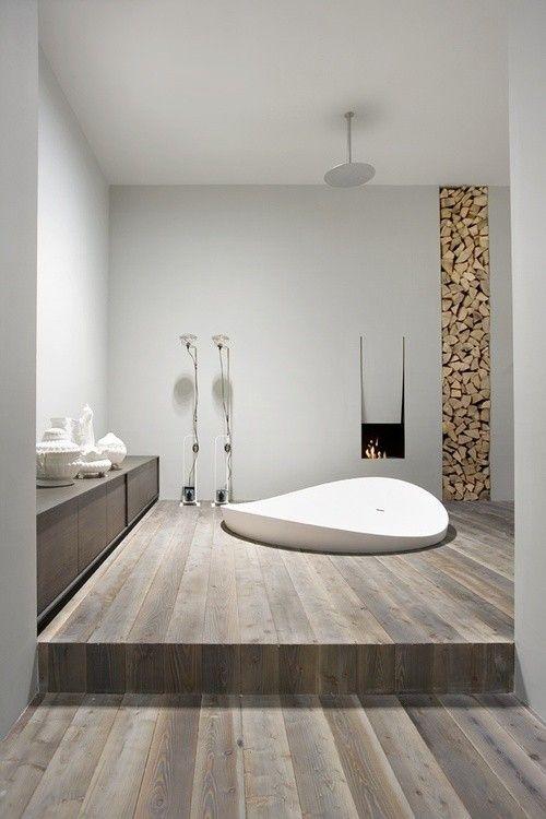 Chimenea de diseño italiano en el baño