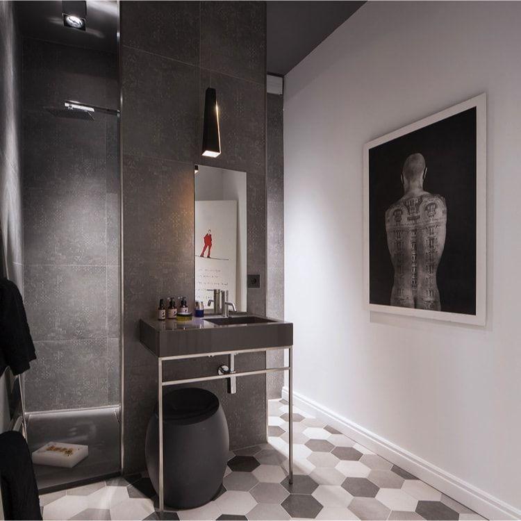 Baño del dormitorio en showroom xavier martin