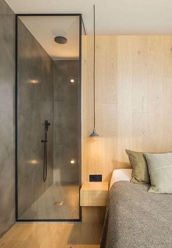 ducha integrada en dormitorio